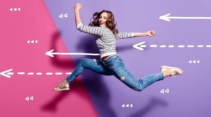 キレイモの乗り換え割りを使う女子の画像