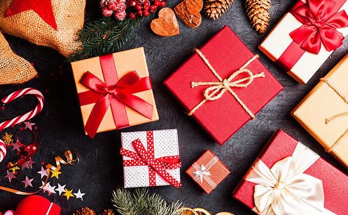 クリスマスプレゼント【彼女向け】おすすめ15選|貰って嬉しいものランキング付き