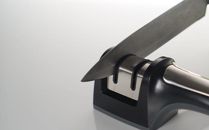 包丁研ぎ器おすすめ21選|電動式から砥石まで【料理家によるランキング付き】