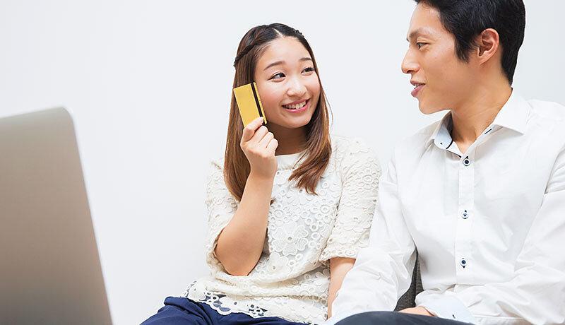 ゴールドカードで家族カードを作るメリット・デメリットは?おすすめカードも紹介