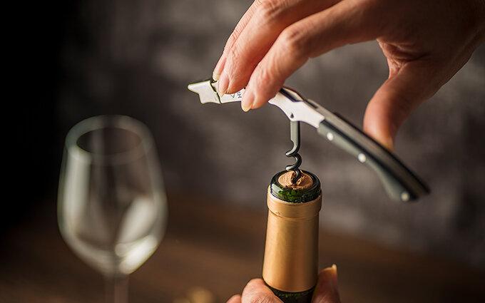 ワインオープナーおすすめ15選|電動式や本格派も!ワインインストラクターが監修