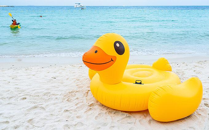 浮き輪おすすめ20選|大人用から子ども用までこの夏欲しい浮き輪を100人に調査!