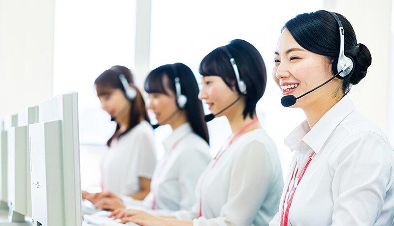 楽天カードの問い合わせ方法は?電話の混雑状況やオペレーターに繋がる電話番号を紹介