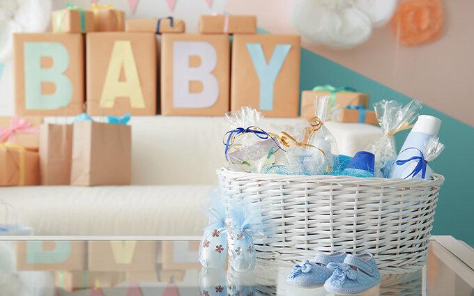 出産祝いおすすめ21選|現役ママに聞いたもらって嬉しいプレゼントとは?相場も紹介