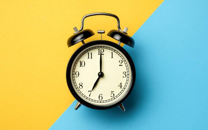 大音量の目覚まし時計おすすめ15選|現役家電販売員のタイプ別ランキング付き
