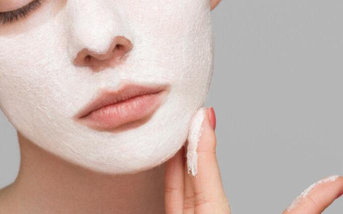 洗い流すパックおすすめ15選|美容皮膚科医に聞いた選び方や成分別の効果について紹介