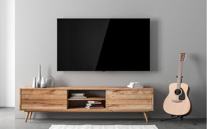壁掛けテレビおすすめ21選|気になる配線や工事【メリット・デメリットも解説】